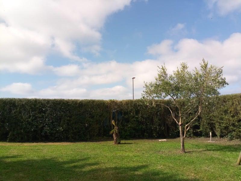 Pont-Croix clôture poteaux métalliques et lames vénitiennes